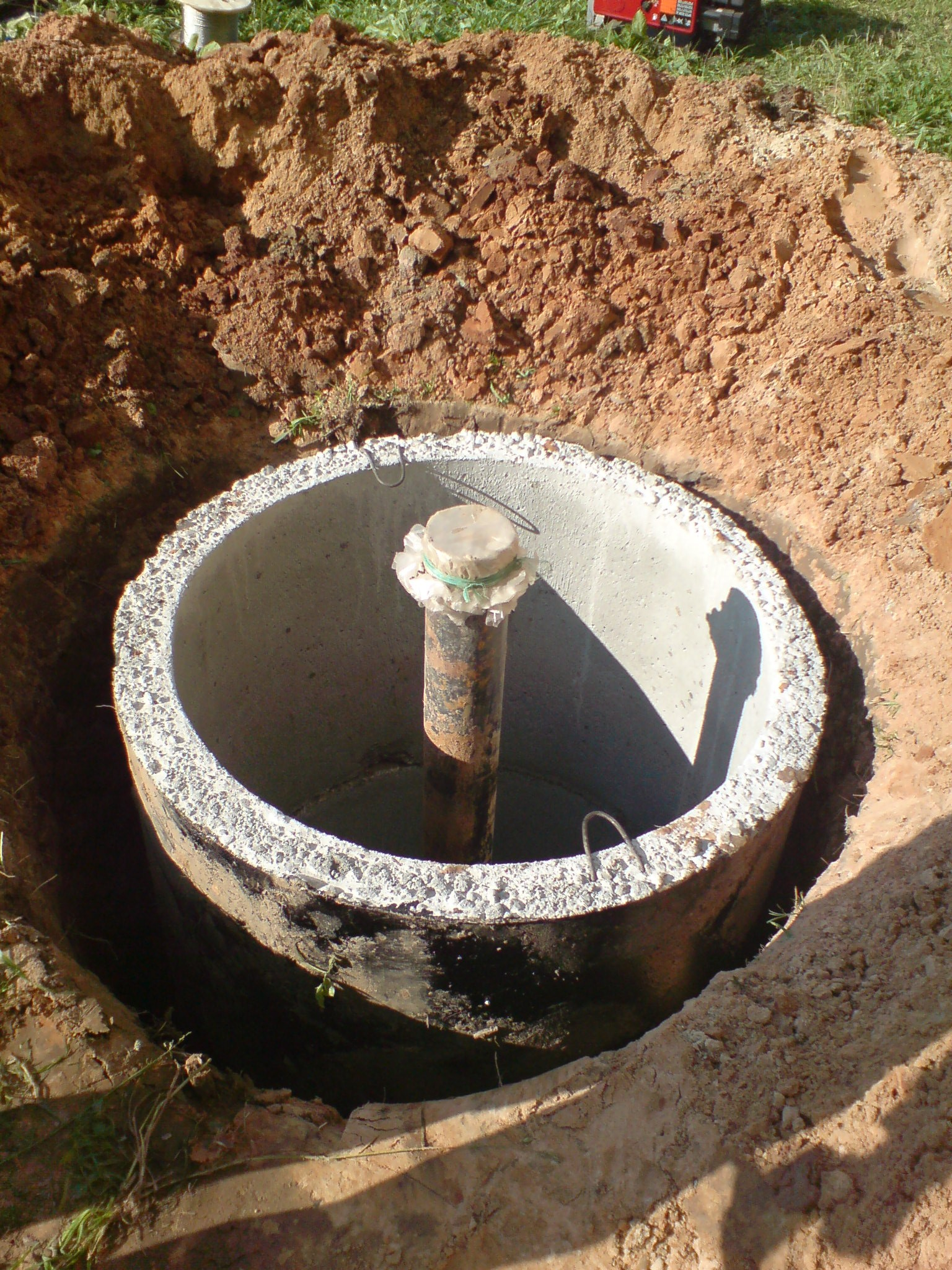 Обустройство устья водяной скважины своими руками